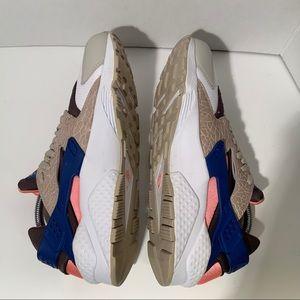 Nike Shoes - NIKE Air Huarache x size? LE Urban Safari Sneaker